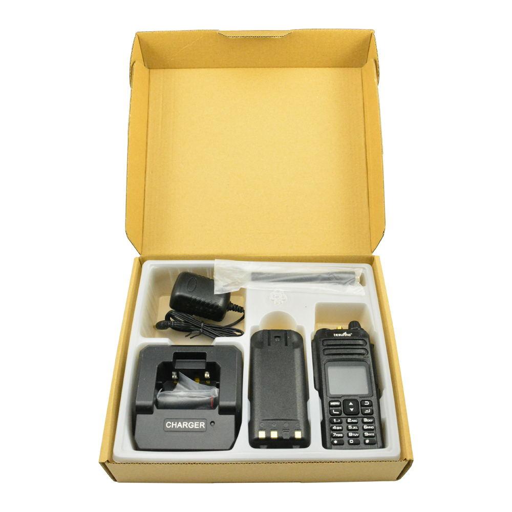 Handheld two way radio SIM Card, VHF/UHF, GSM,UMTS, LTE walkie talkie Tesunho TH680