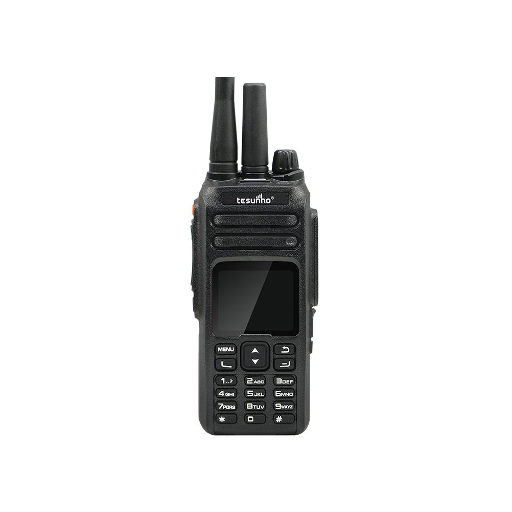 CE FCC TH-680 Two way radio dual modes GSM WCDMA SIM Card IP radio and VHF UHF walkie talkie