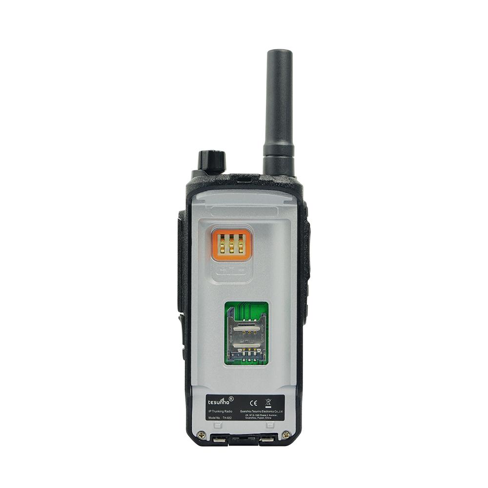 Push To Talk Radio IP LTE Network Walkie Talkie TH682